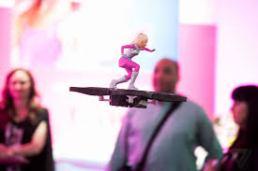 dron barbie volant